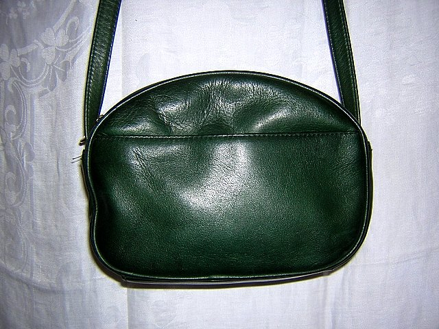 Tignanello leather shoulder bag adjustable strap hunter green unused ll1503