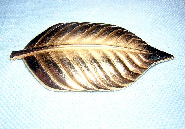 Bond Boyd Canada gold plate leaf brooch pin perfect vintage ll1942