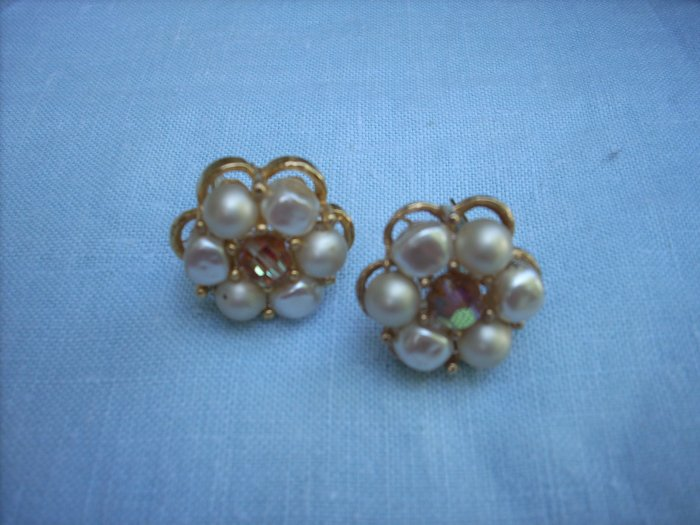 Faux pearl and aurora borealis flower clip earrings vintage jewelry ll1058