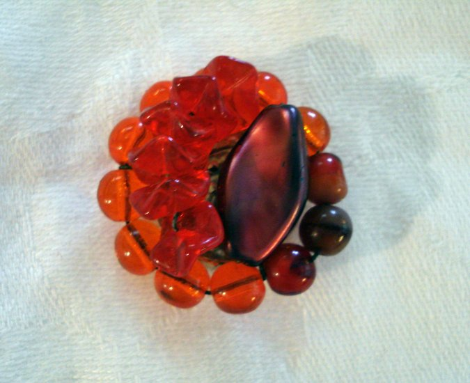 Red bead cluster earrings clips plastic vintage jewelry ll1261
