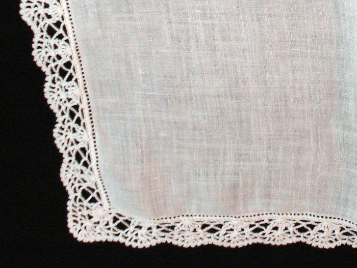 Antique linen wedding hanky hand crocheted lace edge threadwork hem ll1395