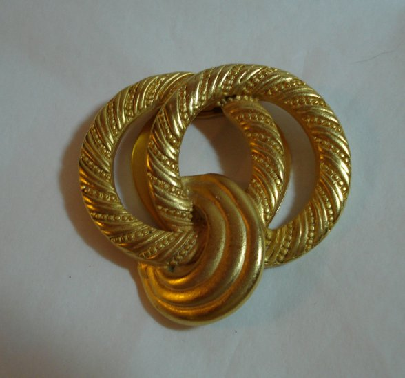 3 Ring gold tone scarf clip as new 1990s vintage jewelry ll1335