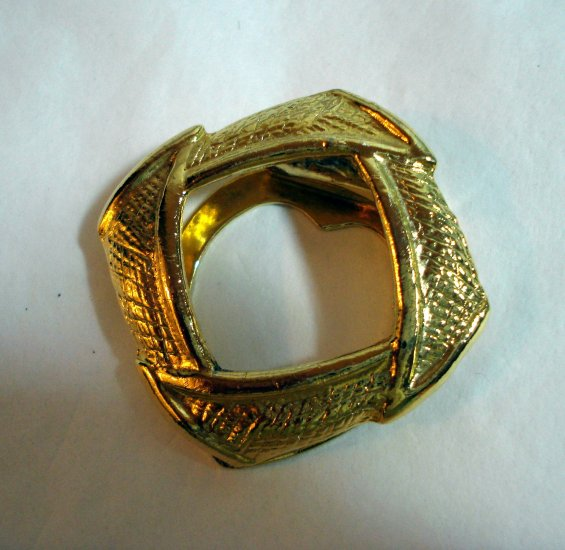 Textured gold plate scarf clip angular circle as new vintage jewelry ll1344