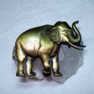 JJ vintage trunk up elephant pin brooch brass  ll1360