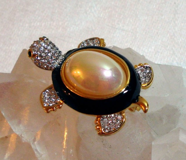 Pearl backed turtle pin brooch Swarovski crystals magnificent vintage ll1400
