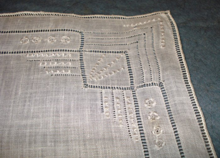 Antique white linen wedding hanky fine embroidery threadwork ll1689