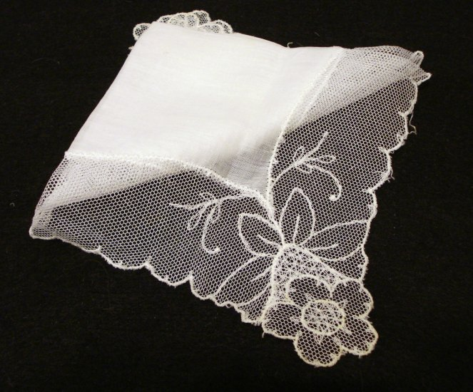 Linen wedding hanky net lace border Antique hankies ll2144
