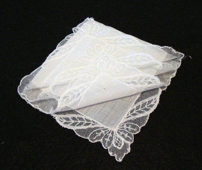 Antique white linen wedding hanky net lace border ll2170