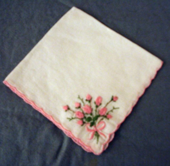 Fine linen hanky embroidered rose posey scalloped edge  vintage ll2293