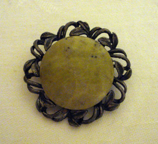 Antique brooch pin genuine agate wrought metal frame  ll2372