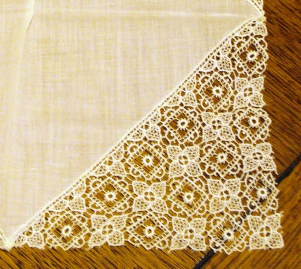 Linen and lace wedding hanky excellent vintage ll2479