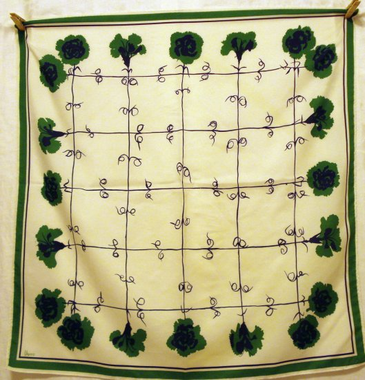 Vera green carnations scarf synthetic excellent vintage  ll2498