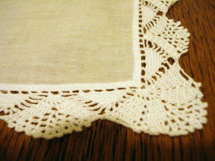 White cotton hanky handmade crocheted lace edge vintage ll2505