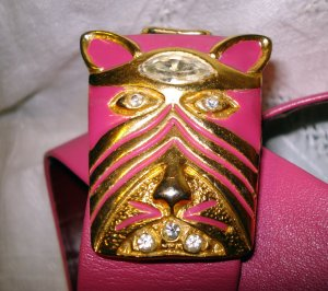 Vintage hot pink leather belt with Egyptian cats heads buckle rhinestones ll2507