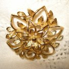 Sarah Coventry lacy gold tone pin brooch vintage costume jewelry superior ll2514
