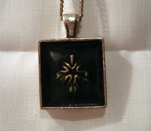 Pewter and green cloisonne pendant on chain vintage ll2604
