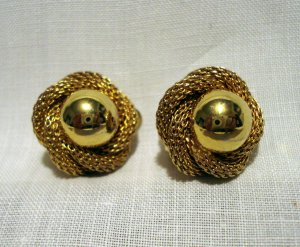 Continental gold mesh and ball love knot earrings clip great vintage ll2621