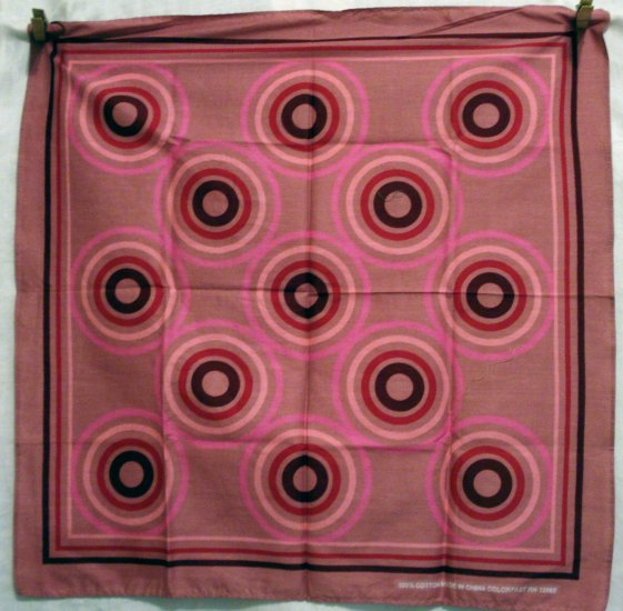 Bulls eye cotton scarf bandanna bold pinks burgundy excellent used ll2640
