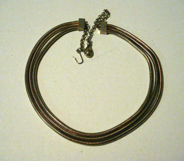Triple strand snake chain necklace with extender goldtone Mid century vintage ll2647