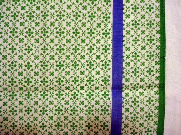 Italian cotton bandanna scarf tiny green print on white pre-owned ll2670