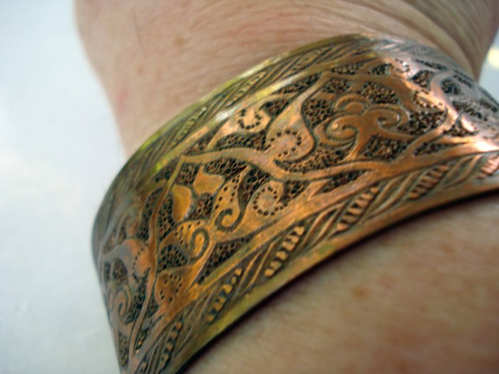 Copper cuff bracelet wide embossed handmade vintage ll2693
