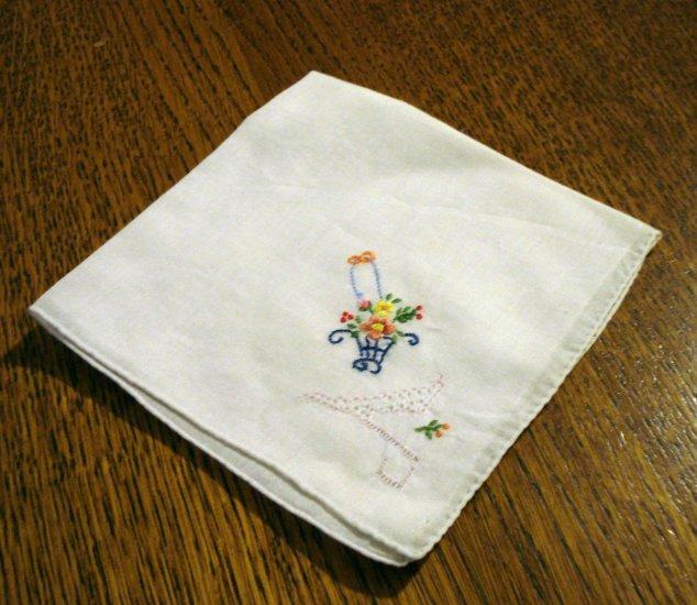 Embroidered handmade hanky flower basket threadwork rolled hem great vintage ll2698