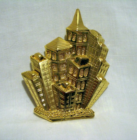 Park Lane cityscape pin brooch pendant gold plate as new vintage ll2720