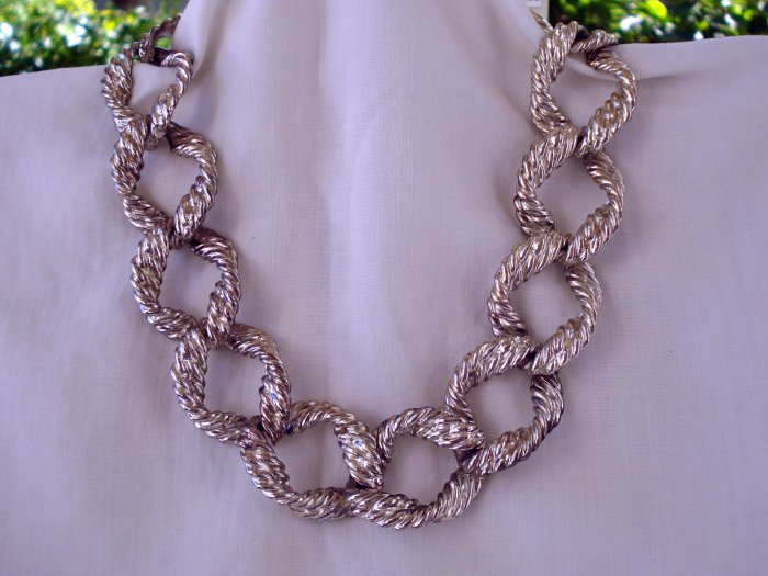 Anne Klein heavy silvertone necklace twisted links toggle clasp vintage ll2740
