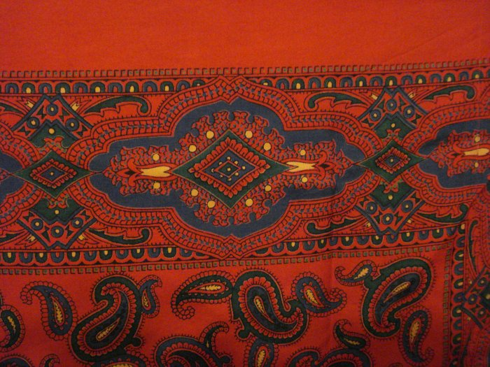 Large paisley silk scarf red pine green excellent vintage ll2750