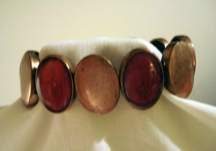 Stretch bracelet of brass and cranberry cloisonne ovals vintage ll2850