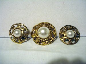Butler pearl gold plate scarf clip and clip earrings signed vintage ll2874