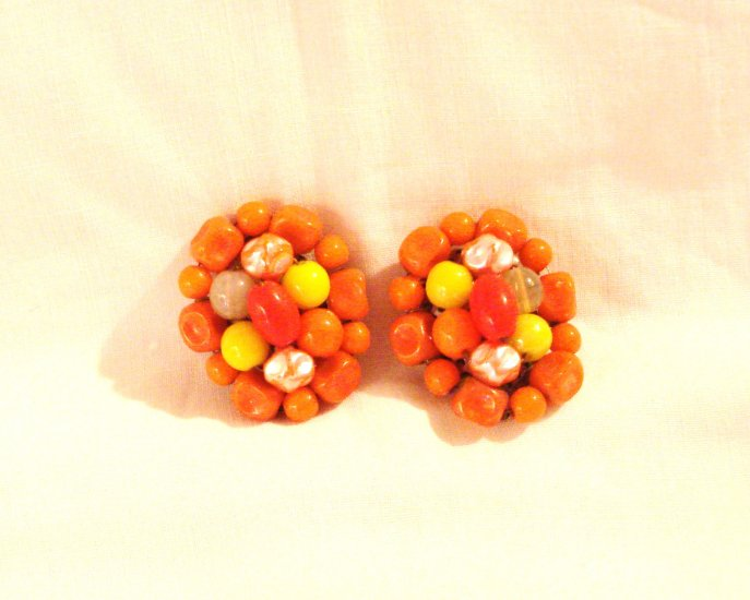Mid century cluster bead earrings orange yellow read clip back great vintage ll2927