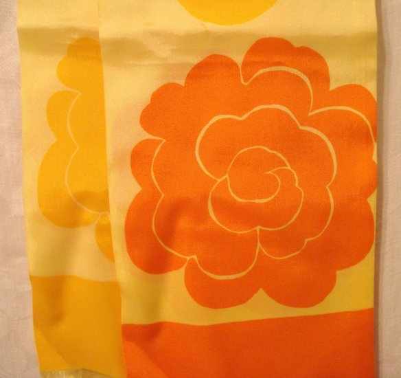 Bright 1960s orange yellow long scarf bold floral acetate satin excellent ll2994