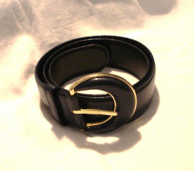 Liz Claiborne black leather belt medium excellent preowned ll3023