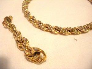Monet rope chain bracelet and pierced earrings set gold tone vintage ll3052