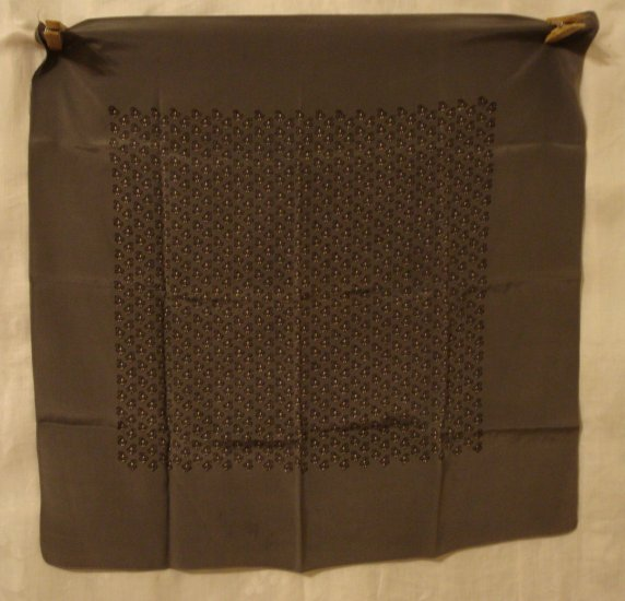 Dark gray man's silk pocket puff or scarf men's print 17 inches excellent vintage ll3090