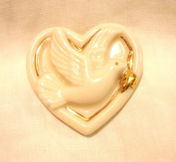 Lenox china heart pin peace dove with olive branch 24 K gold trim as new ll3092
