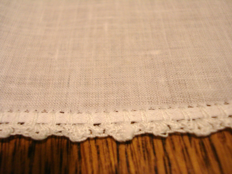 Vintage handmade white cotton hanky crocheted lace edge ll3128