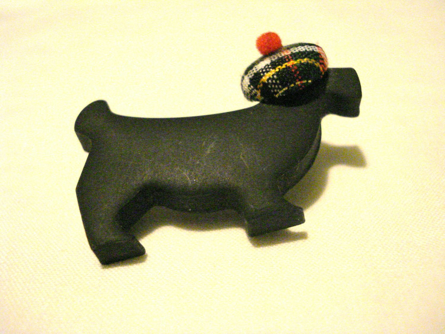 Black scottie dog with tam pin brooch signed Patricia perfect preowned handmade ll3148