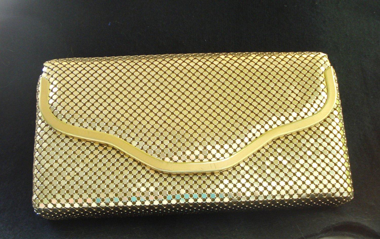 Golden aluminum mesh evening bag shoulder strap preowned perfect ll3162