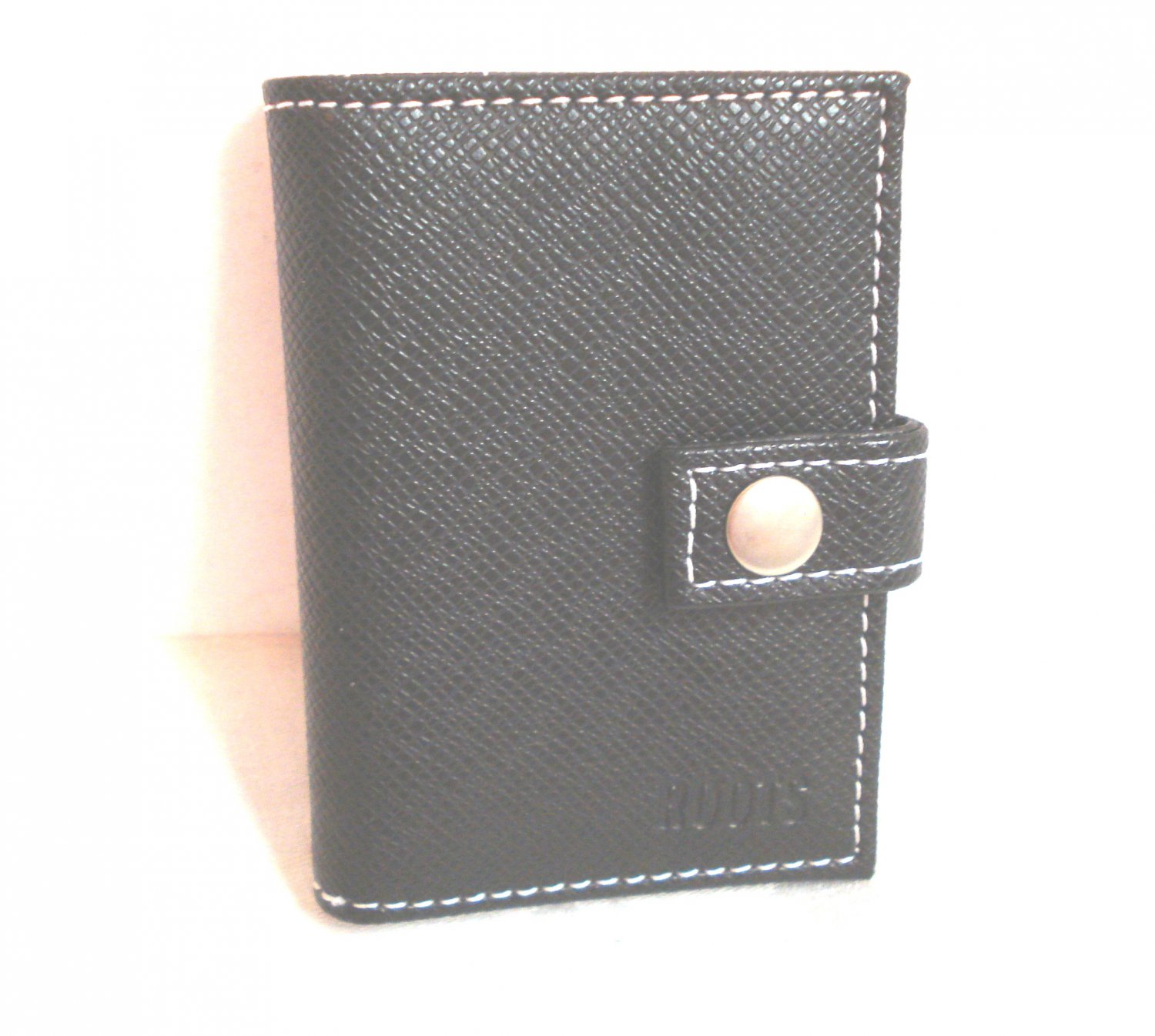 Roots black leather card or ID case unused pre-owned unisex ll3269