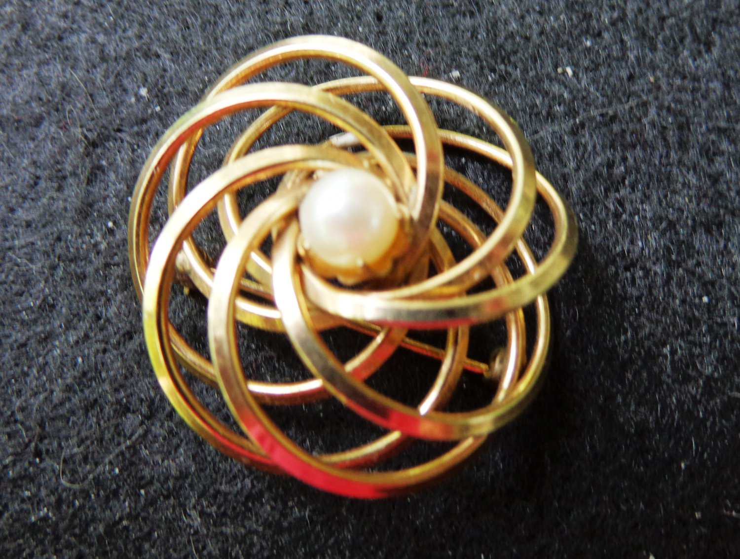 Gold filled w cultured pearl swirled circles brooch pin 1/20 12k gf signed HG vintage ll3333