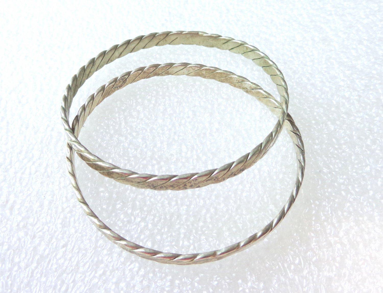 Pair of flat braid alpaco silver bangle bracelets Mexico vintage ll3348