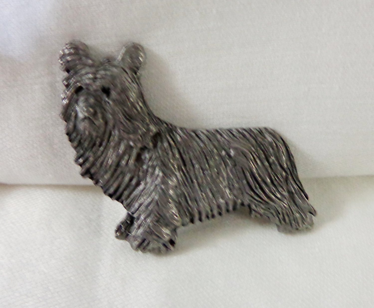 Pewter terrier dog pin brooch Yorkshire Skye long haired vintage l3368