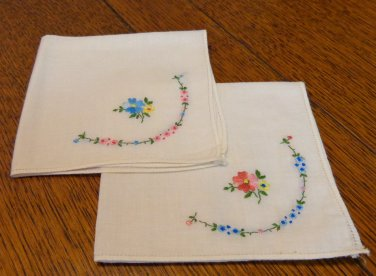 Pair of 2 matching vintage hankies white cotton embroidered ll3414