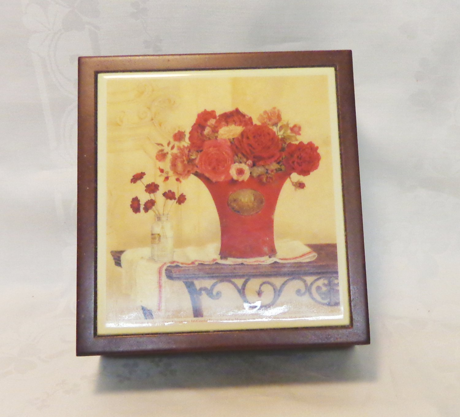Kathryn White wood and tile jewelry box vase of roses excellent pre-owned ll3427