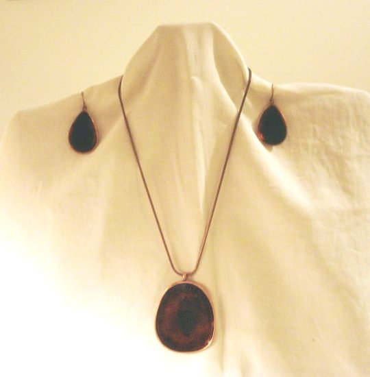 Demi Parure copper cloisonne pendant, chain pierced earrings 1970s artisan made vintage ll2849