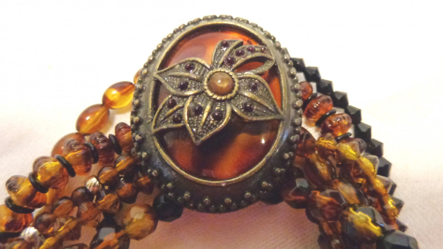 Six strand mixed bead stretch bracelet large cabochon amber brown mint condition ll3467