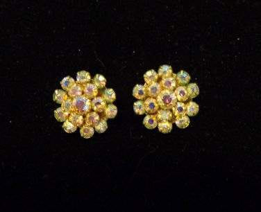 Clip back aureola borealis cluster earrings 1 inch great sparkle holidays vintage ll3470