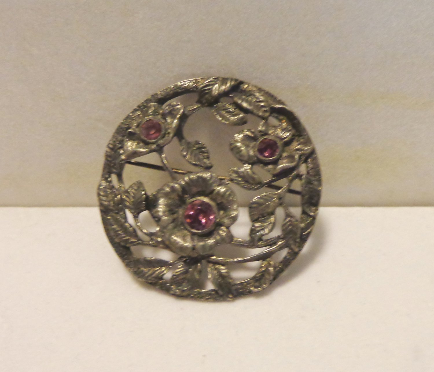 Coro February brooch primrose amethyst pot metal signed antique vintage ll3473